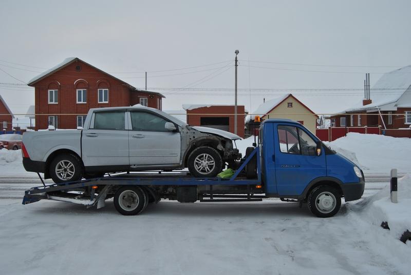 Разбитые дороги в г. Нижний Новгород: эвакуатор как необходимость
